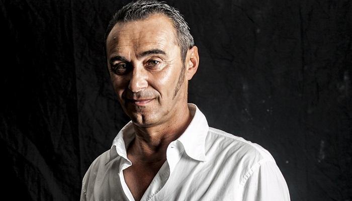 Giuseppe Giacobazzi invita a riflettere attraverso una risata a Villa Bertelli