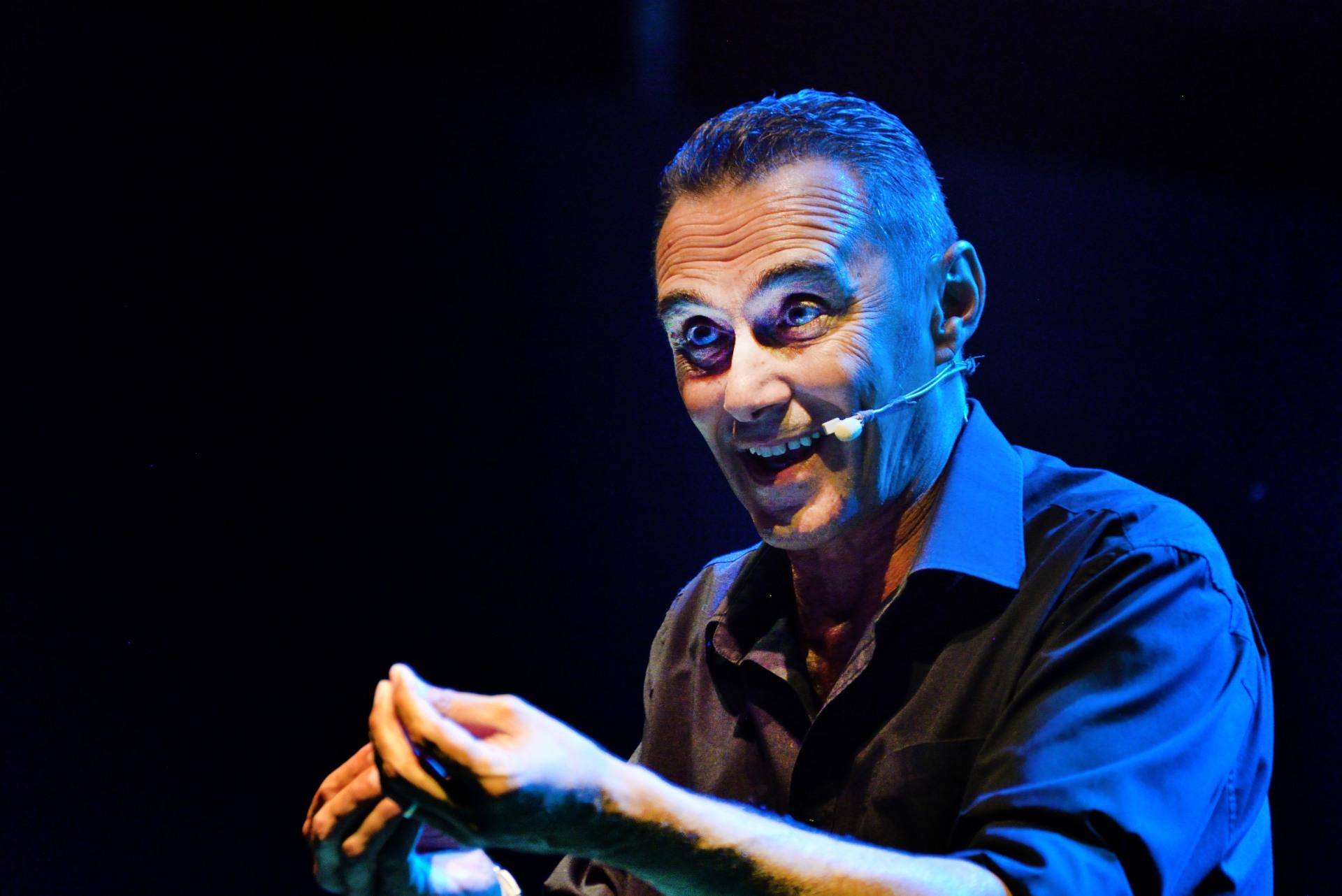 Giuseppe Giacobazzi si conferma uno dei migliori comici in circolazione