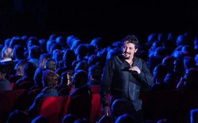 Enrico Brignano, 30 anni di carriera: tutte le curiosità sul comico romano