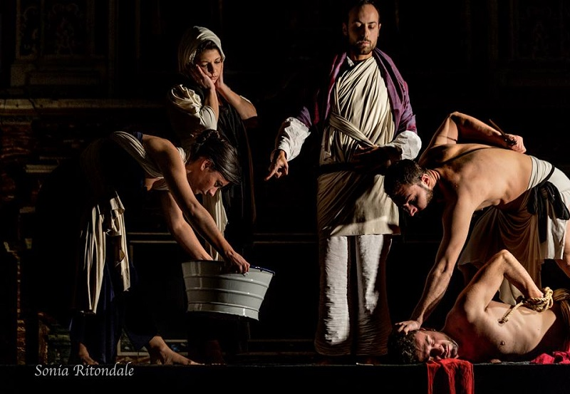La conversione di un cavallo – Tableaux Vivants di Caravaggio